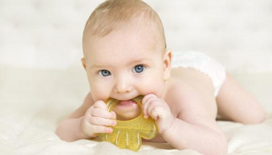 Wie lange dauert das Zahnen beim Baby